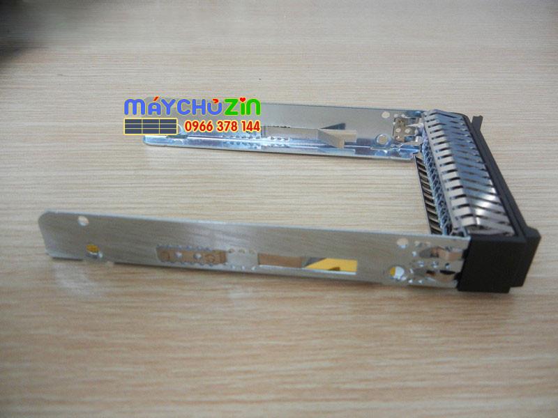Khay ổ cứng IBM X3550 x3650 M5 x3850 x6 2.5 inch